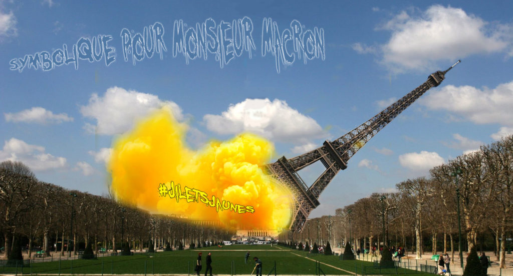 Jilets Jaunes Eiffel Tower